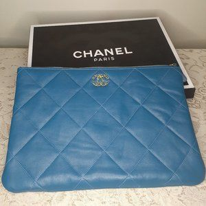 CHANEL - 19 LARGE POUCH Blue